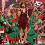 "Watch Reba McEntire Perform ""Hard Candy Christmas"" in Sneak Peek of Tonight's ""CMA Country Christmas"" TV Special [+ Photo Gallery]"