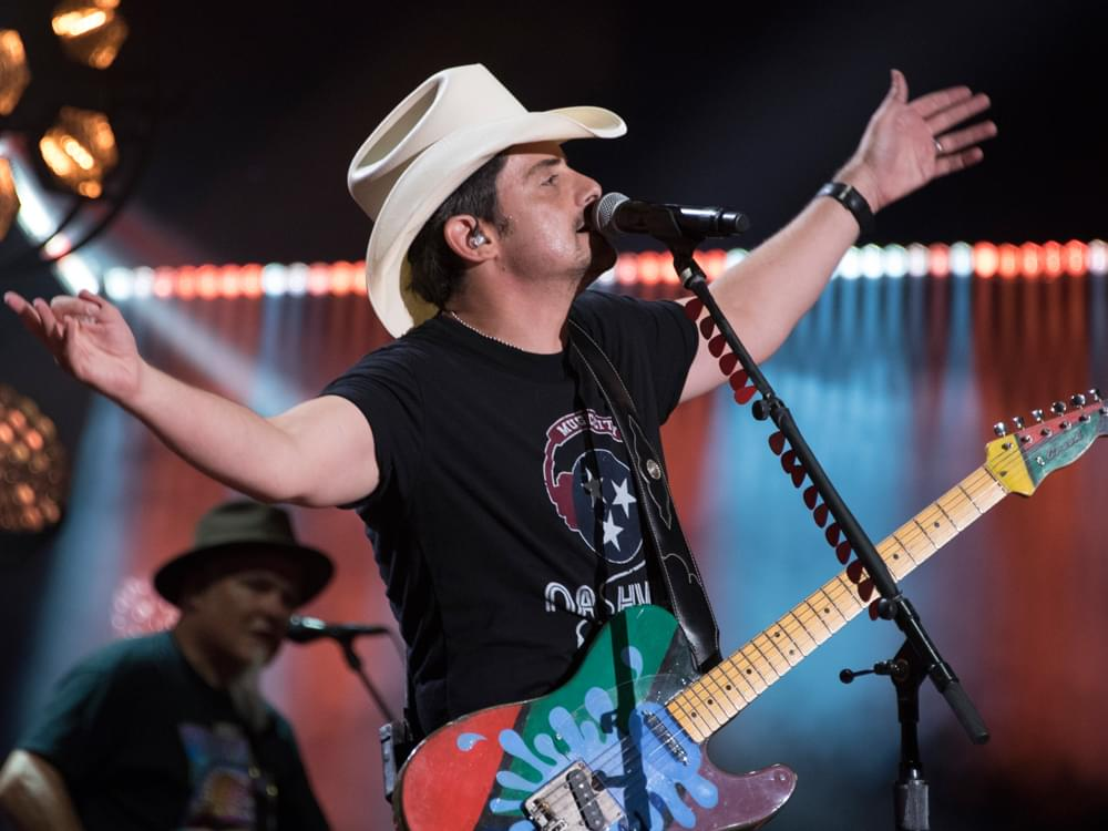 "Brad Paisley Announces 9-Country ""World Tour"""