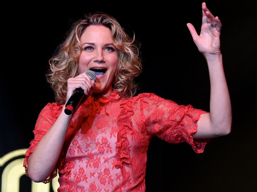 Jennifer Nettles to Perform National Anthem at Kentucky Derby