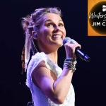 """Clare Bowen Talks Growing Up in Australia, Overcoming Childhood Cancer, Starring on """"Nashville,"""" Finding Love, Creating New Album & More"""