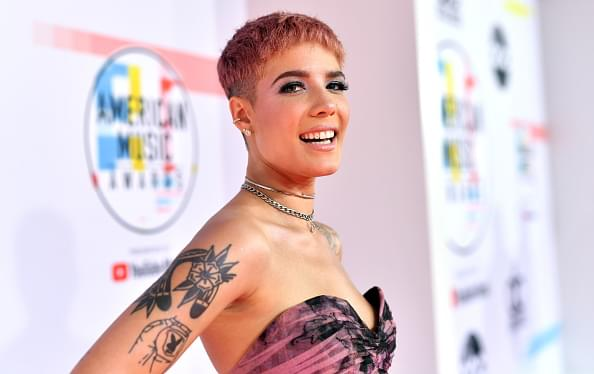 "Halsey Announces New Album ""Manic"""