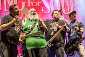 Riley Reed Chats with Chuck E. Cheese A.K.A Jaret Reddick From Bowling For Soup