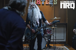 """NEW FOO FIGHTERS VISUAL FOR """"RUN"""""""