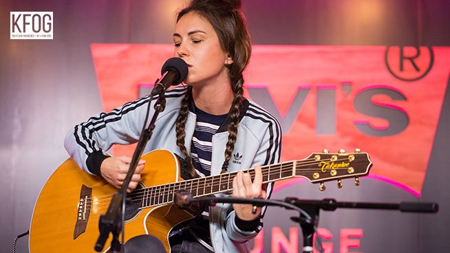 "KFOG Private Concert: Amy Shark – ""Weekends"""