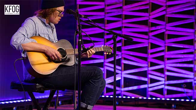 "KFOG Private Concert: Brett Dennen – ""Comeback Kid (That's My Dog)"""