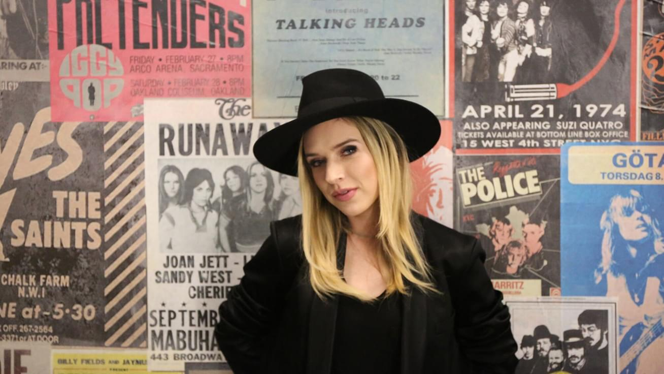"ZZ Ward plays ""Domino"" live and talks touring, Oregon, and Ozzy Osbourne"