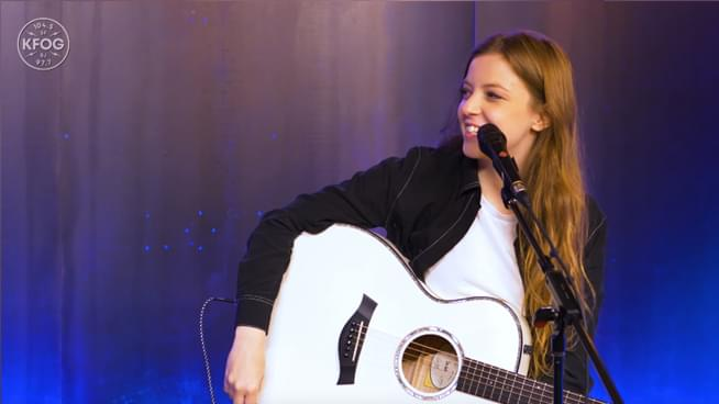 """Watch: Jade Bird's exclusive interview and acoustic performance of """"Uh Huh"""""""