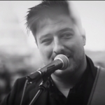 "Mumford & Sons premiere ""Guiding Light"" video"