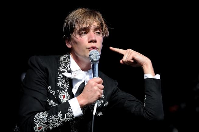 Listen: The Hives Release New Song 'I'm Alive'