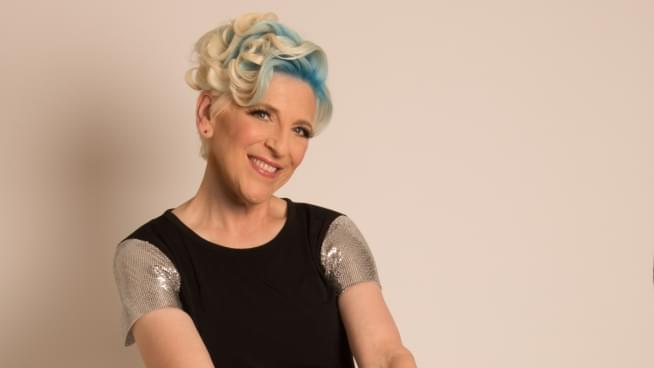 Lisa Lampanelli debuts two Donald Trump roast jokes, talks about her Ex-Husband and Menopause