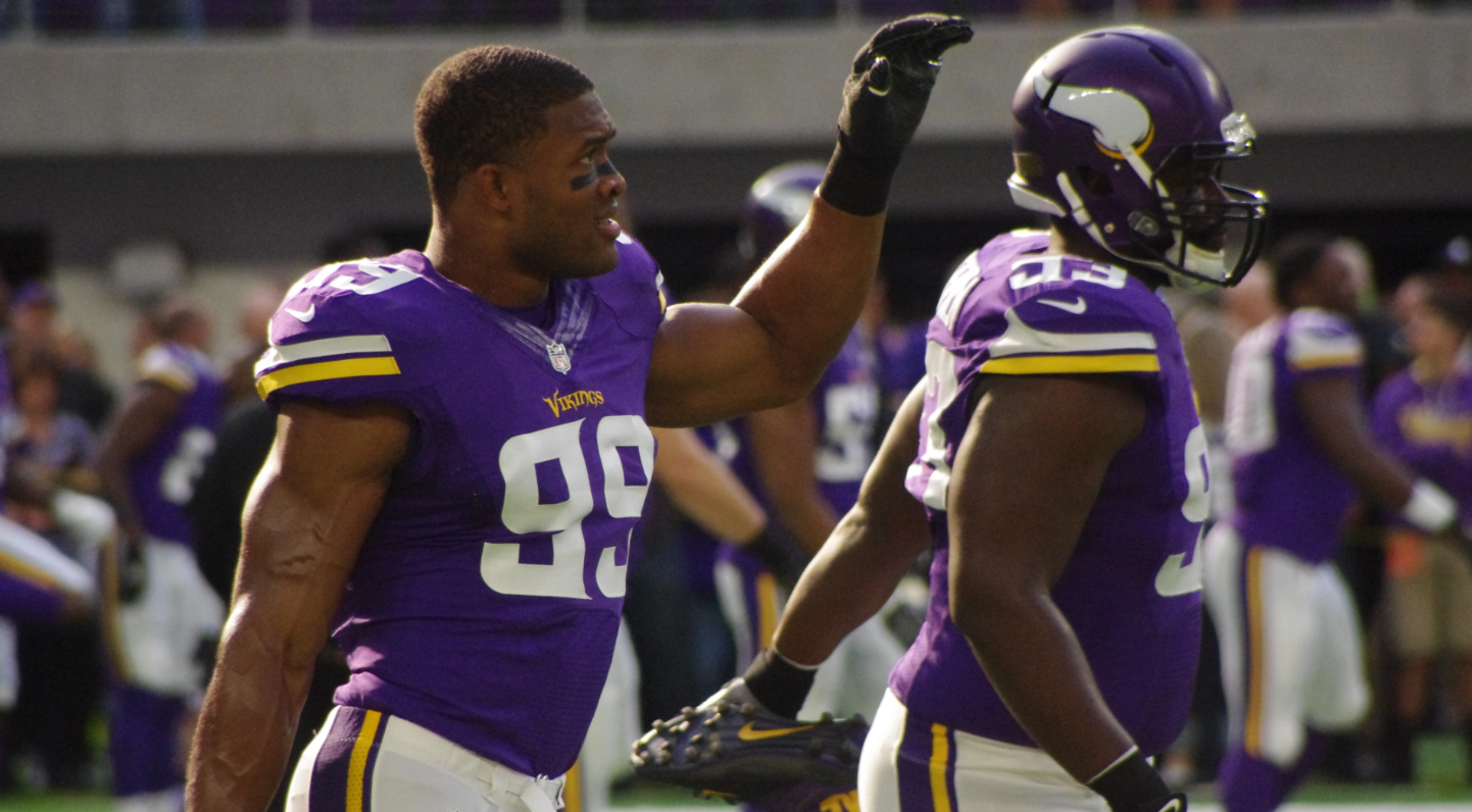 size 40 0206a 57787 Vikings Sign DE Danielle Hunter to Lucrative Five-Year ...