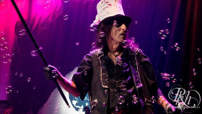 Alice Cooper's Hollywood Vampires Cover David Bowie