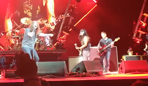 Foo Fighters Call KISS Fan On-Stage