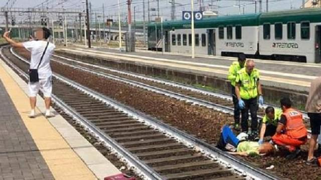 Man Takes Selfie With Train Accident Victim