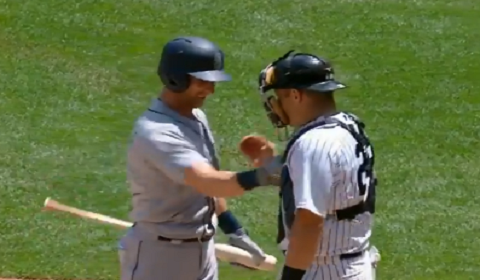 Mariners Shortstop Punches Yankee Brother At Plate