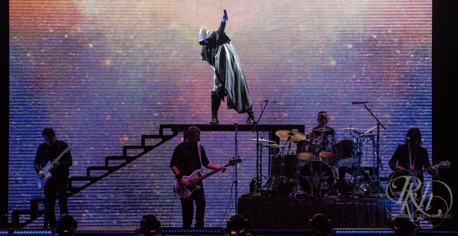 Riding High on Nostalgia at the Smashing Pumpkins Concert