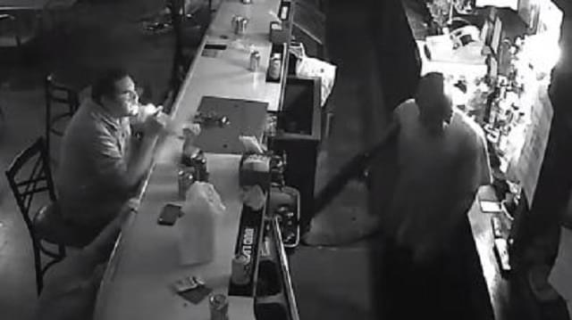 World's Chillest Man Ignores Armed Robber