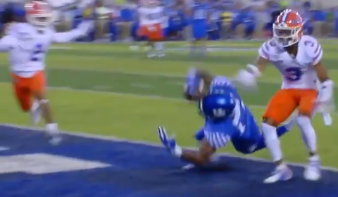 Kentucky Wide Receiver Makes Amazing One-Handed Touchdown Grab