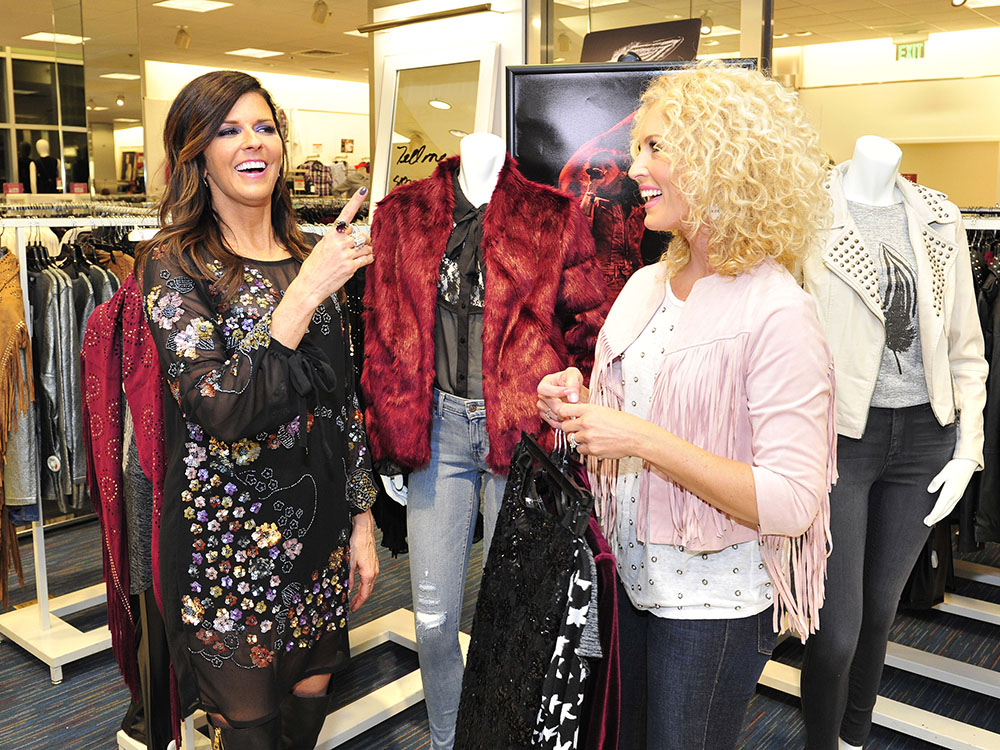 Little Big Town S Karen Fairchild Showcases New Fall