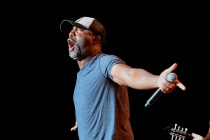 Darius rucker meet greet photos kicks 1015 wkhx fm darius rucker meet greet photos m4hsunfo