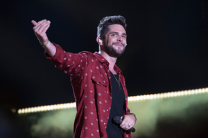 """Watch Thomas Rhett's New Video for """"Leave Right Now"""""""