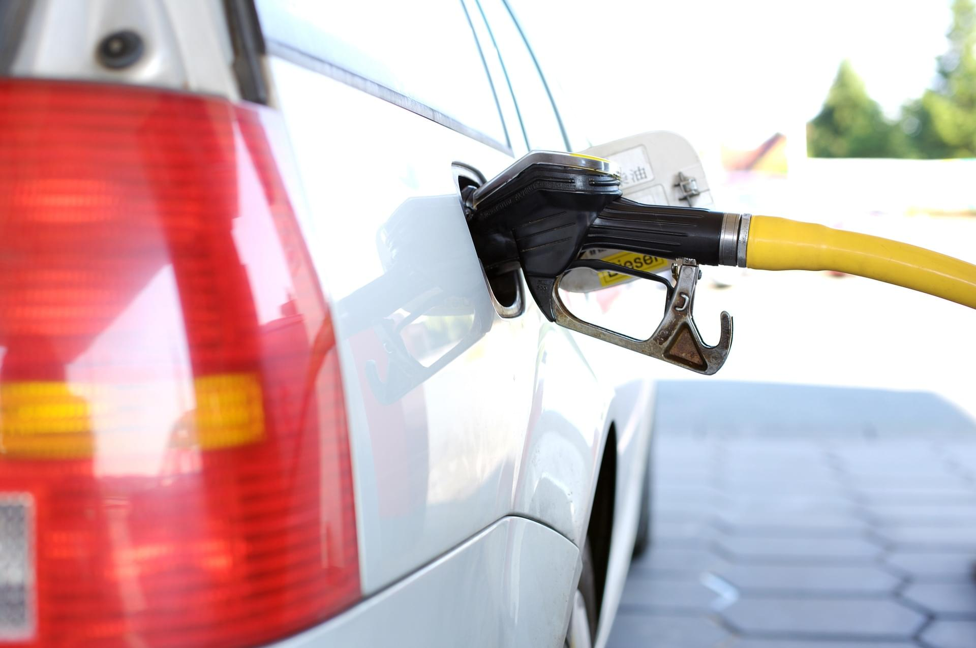 How To Save On Gas Over Memorial Day Weekend!