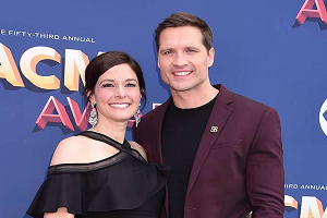 Our Hearts Break for Walker Hayes And His Wife Laney