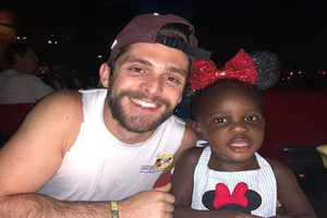 Thomas Rhett Snuck Off To FL With His Girls!