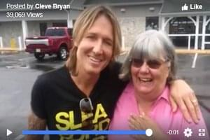 A Woman Paid for Keith Urban at a Store Without Knowing it Was Him!