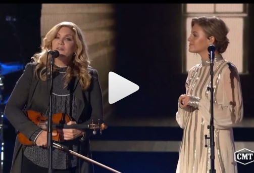 WATCH: Kelsea Ballerini Performed With Her Idol!