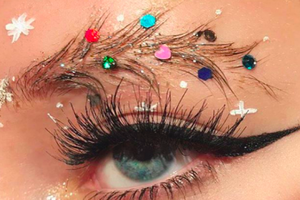 Christmas Tree Eyebrows Are Totally On Trend!