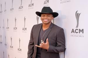 Jimmie Allen Responds To Fan's Idea On Twitter
