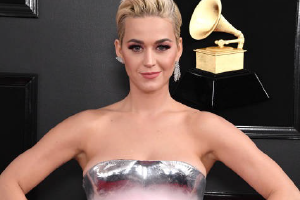 KATY PERRY ANNOUNCES ENGAGEMENT
