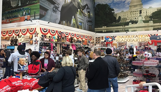LISTEN: Downtown Gift Shops See Steady Crowds, but Nothing Record-Breaking