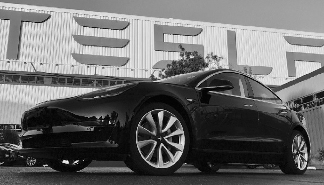 Fremont Ca Cnn Elon Musk Is Now The Proud Owner Of His Company S First M Market Electric Car