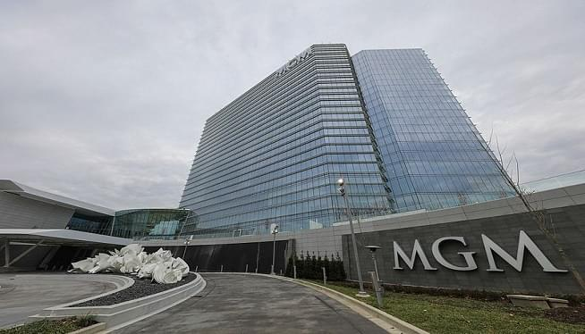 Family Of Girl Shocked At Resort Sues MGM, Contractors