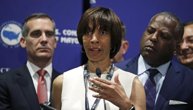 FBI, IRS Agents Raid Baltimore Mayor's Office, Home