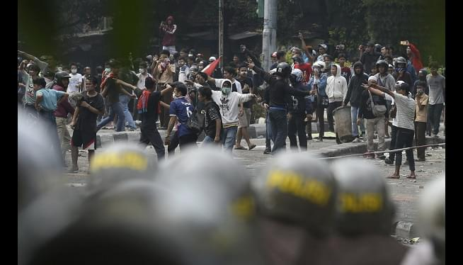 6 Die In Indonesia Riots; Widodo Says He Won't Allow Unrest