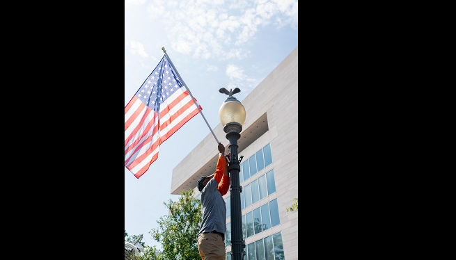 WATCH: District hangs controversial flags with 51 stars on Pennsylvania Avenue to kick off statehood week