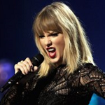 TAYLOR SWIFT MEETS FAN WHO FELL ILL DURING CONCERT