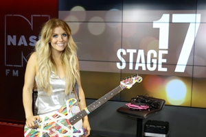 Lindsay Ell LIVE from Stage 17! [Exclusive Photos]