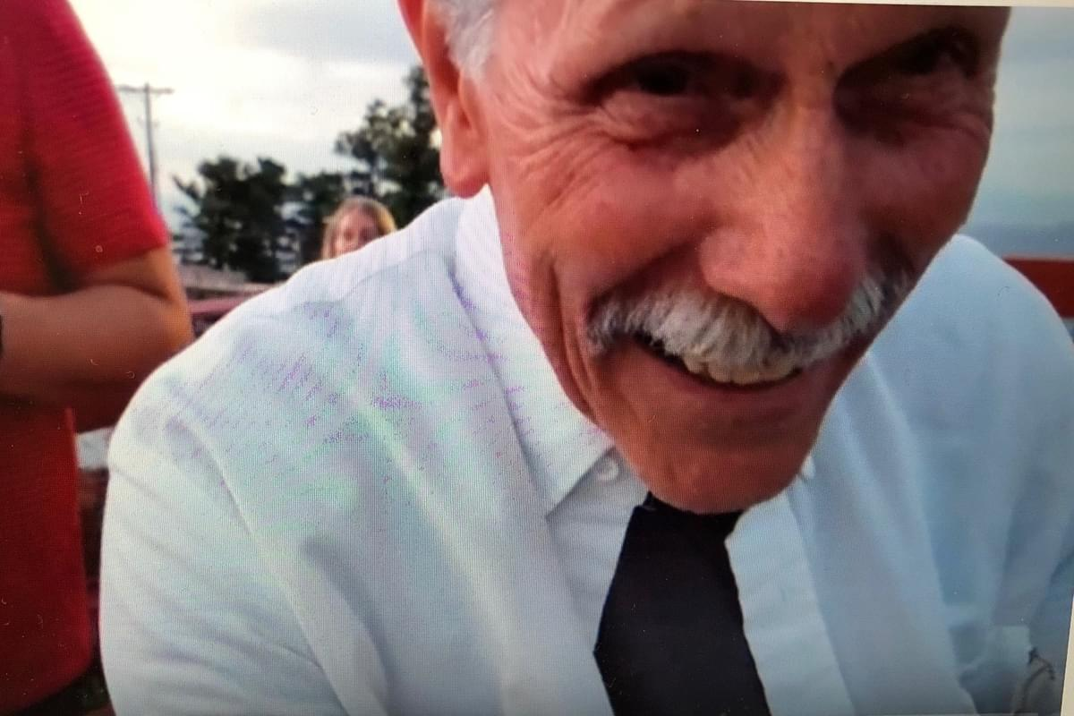 Grandpa accidentally films himself in selfie mode instead of grandson's proposal