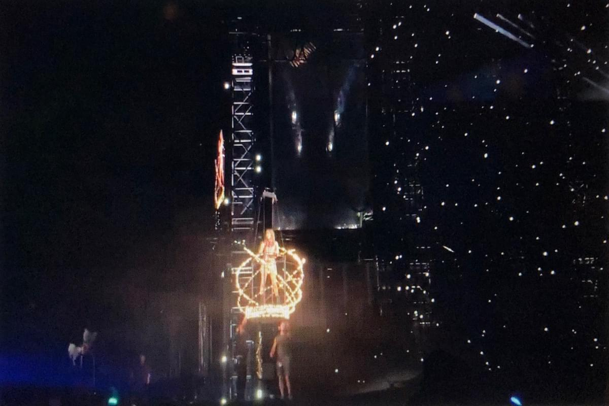 Watch: Taylor Swift Gets Stuck Suspended in Mid Air at Philly Concert