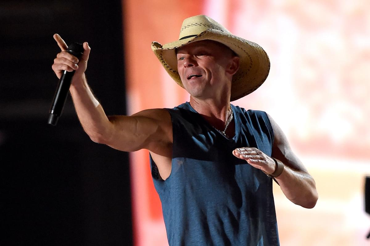 Kenny Chesney Injured While Performing