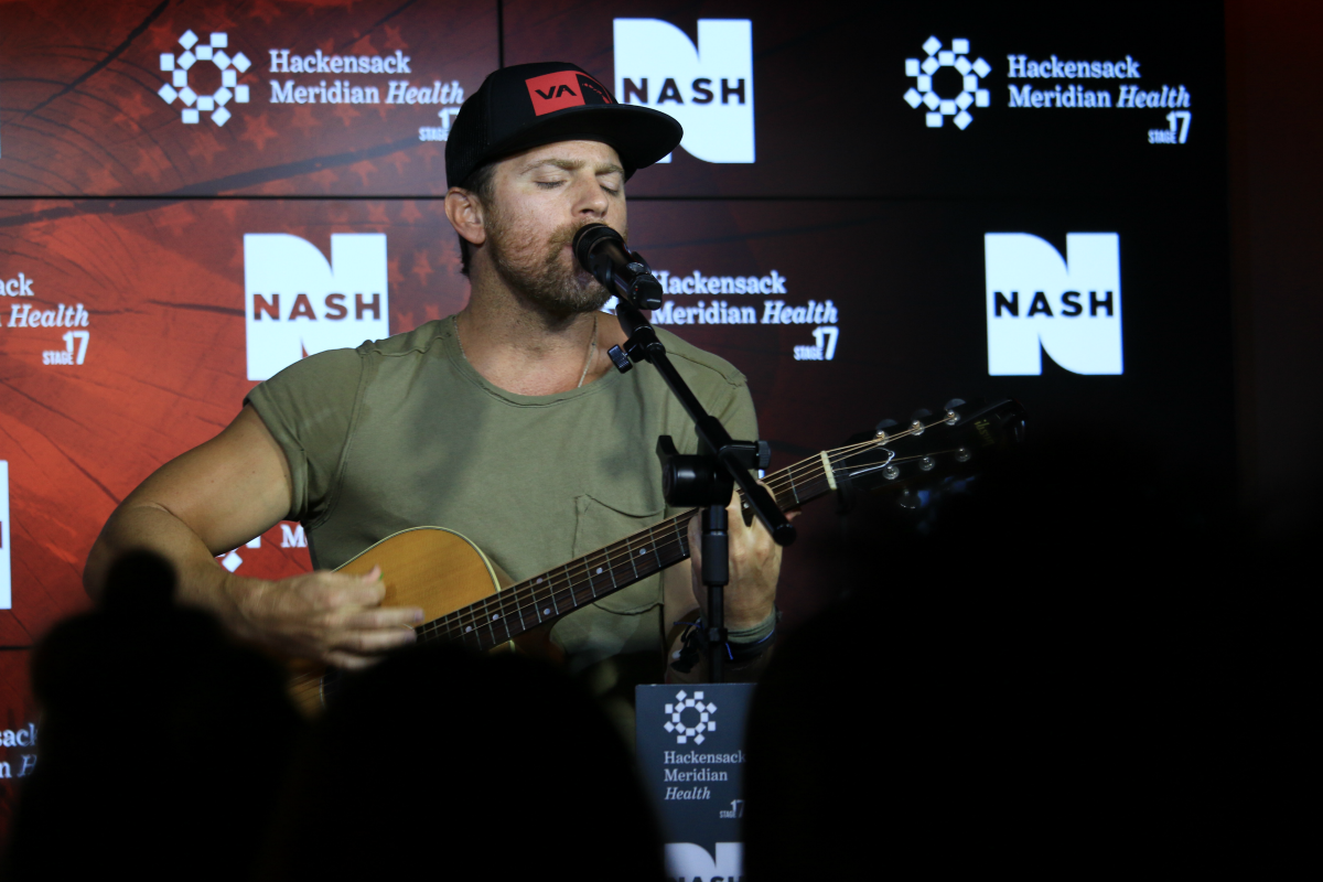 Kip Moore LIVE from HMH Stage 17! [Exclusive Video]