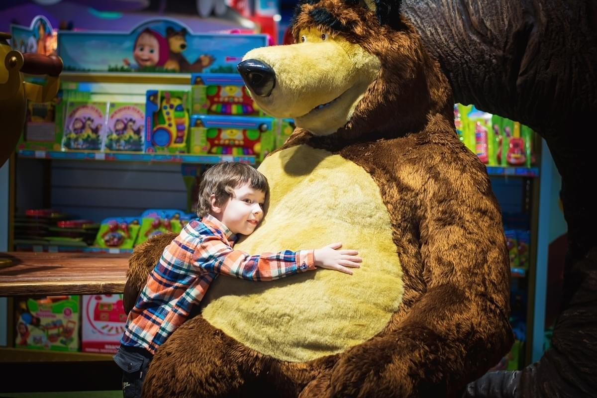Take a Look Inside NYC's New FAO Schwarz Toy Store
