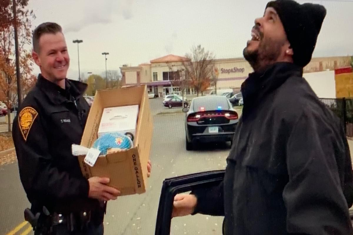Connecticut Cops Hand Out Turkeys Instead of Tickets (VIDEO)