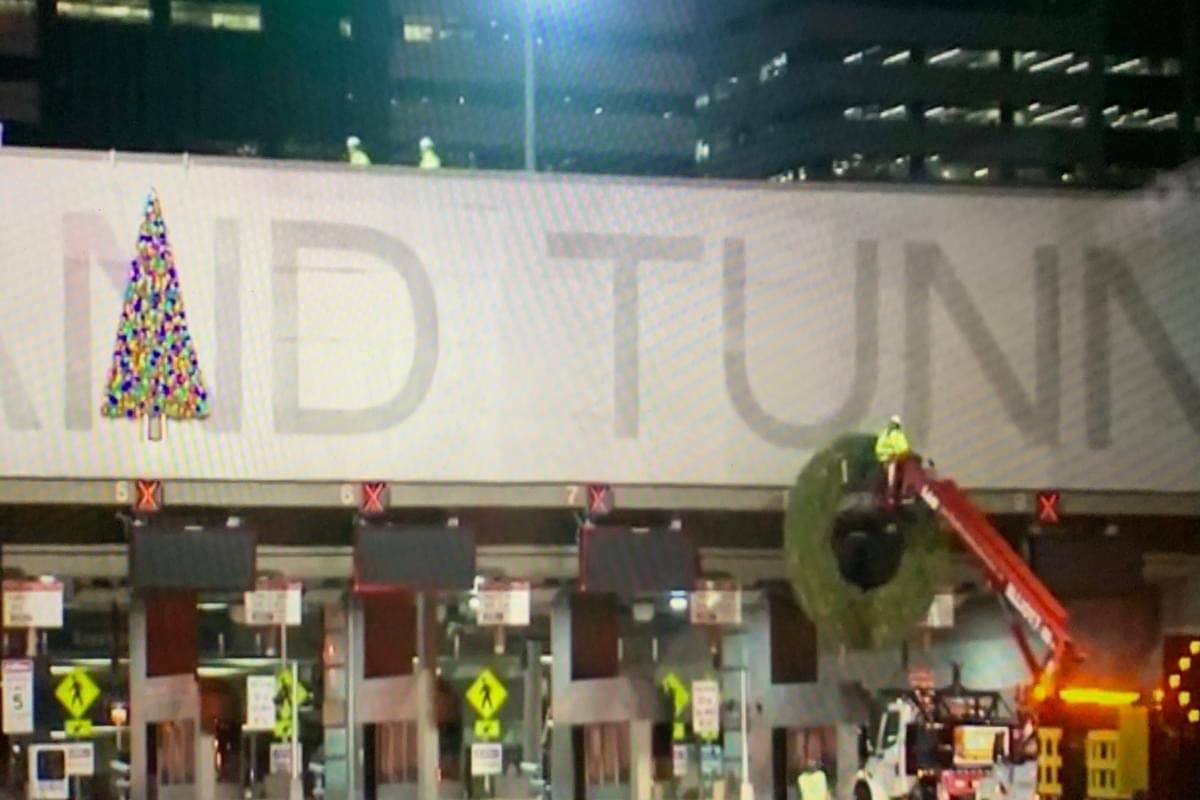 The people have spoken: The Holland Tunnel is getting a Christmas decoration facelift