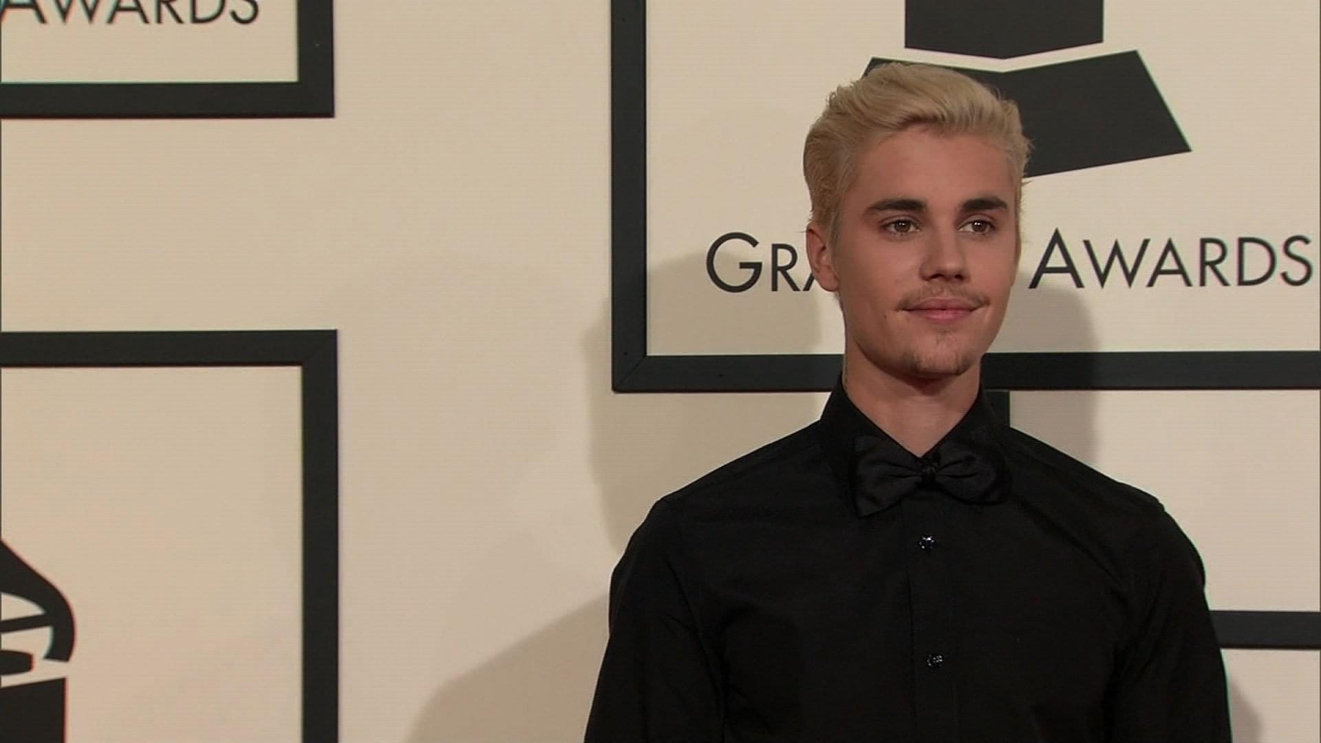 Props To Justin Bieber Being A Traditional Gentlemen!
