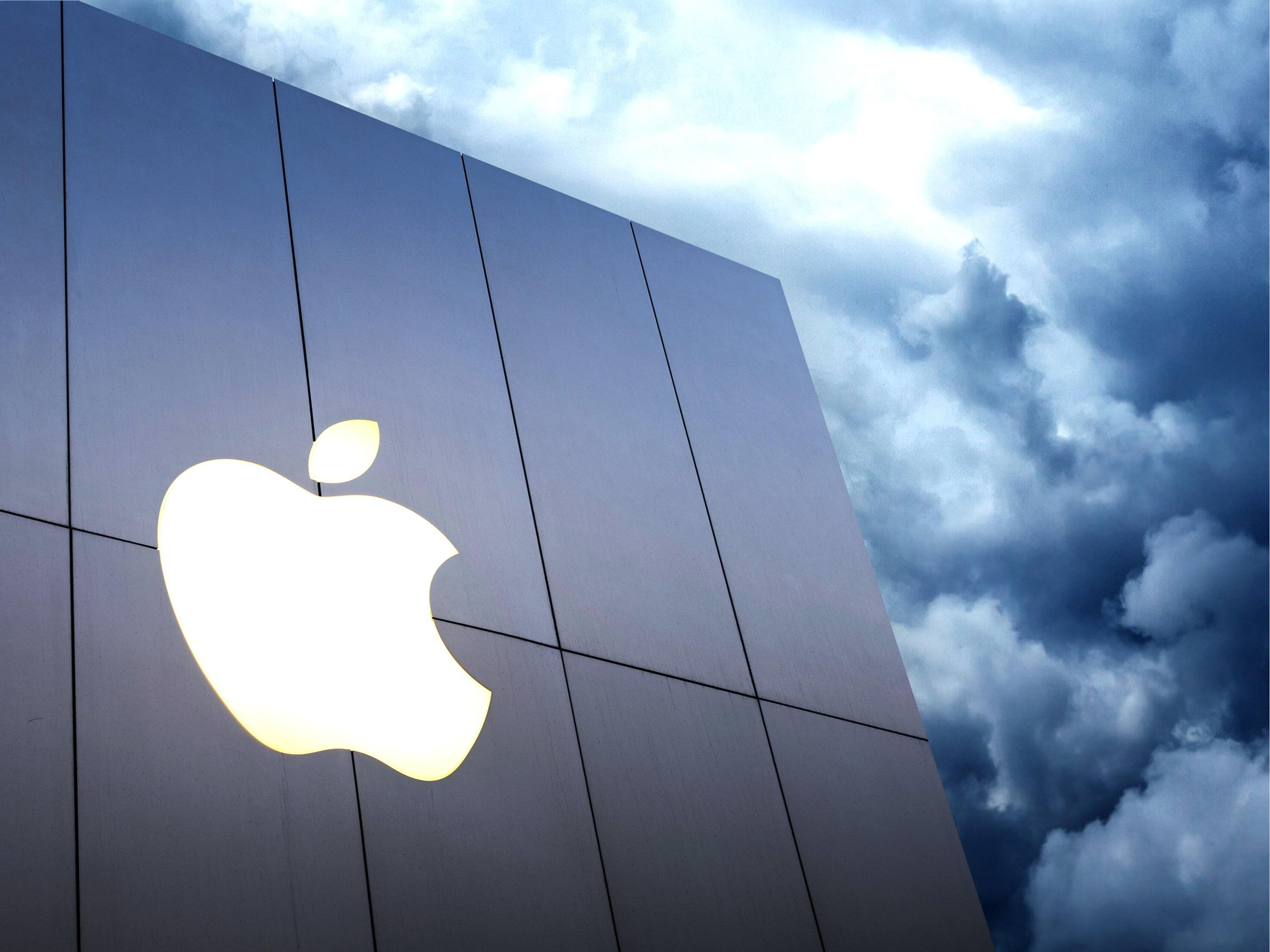Apple Is The First $1 Trillion U.S. Company